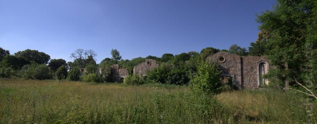 Ruinen bei Kąkolewice