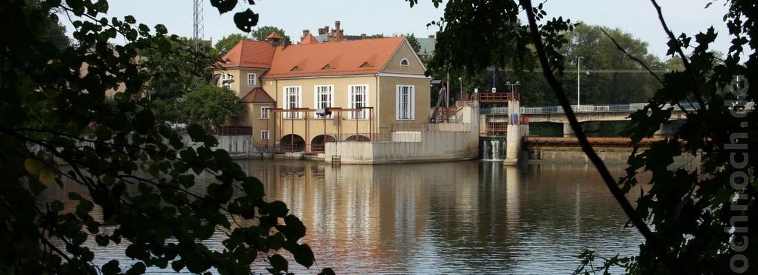 Wasserkraftwerk und Wehr in Żagań