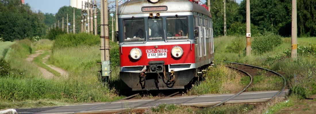 EN57 1788 im Bahnhof Brzeg Głogowski