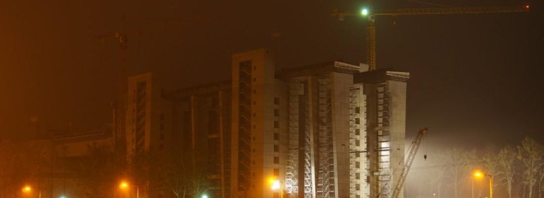 Neubau des Schiffshebewerk Niederfinow Nachts und im Schnee