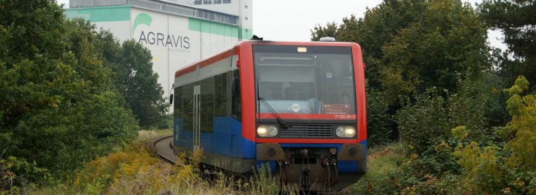 VT504 001-9 der HANS bei der Ausfahrt aus Kyritz/Dosse