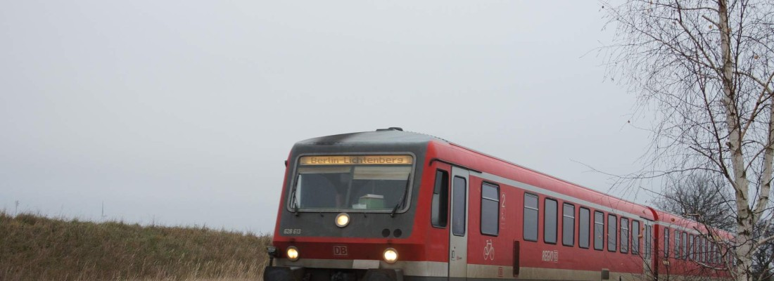 Zufallsbegegnung mit einem Triebwagen der BR 628 bei Bergsdorf / Oberhavel