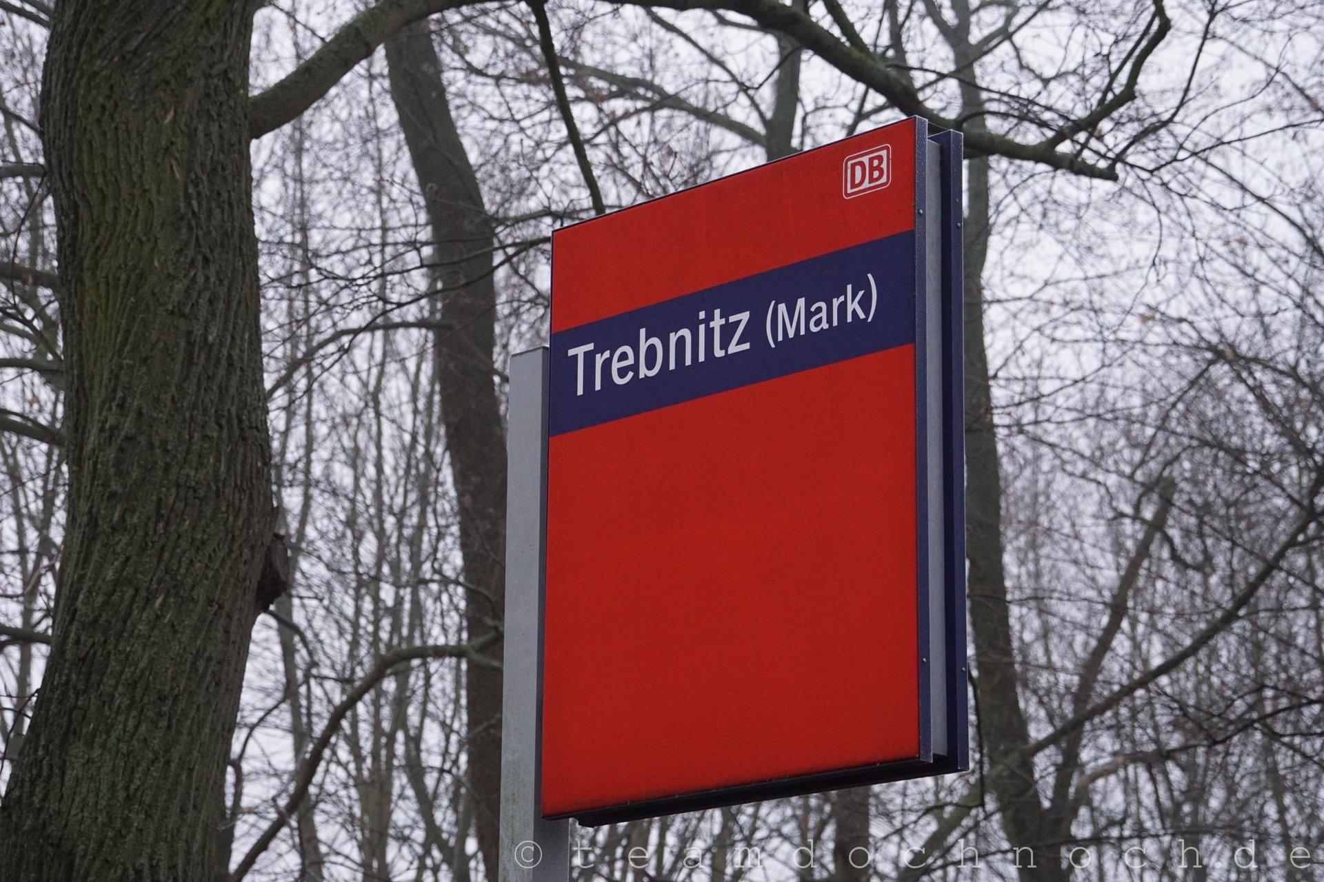Bahnhof Trebnitz im Hochnebel