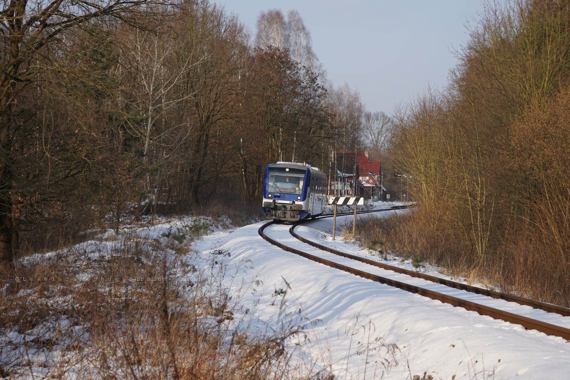 NEB VT004 verläßt auf der Rückfahrt nach Eberswalde den Kaiserbahnhof