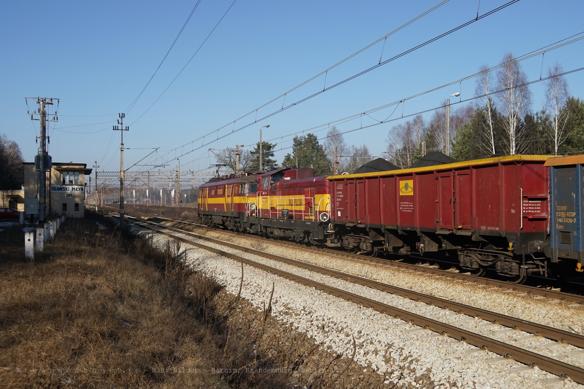 Güterzug mit 2 Loks der Rail Polska in Drawski Młyn