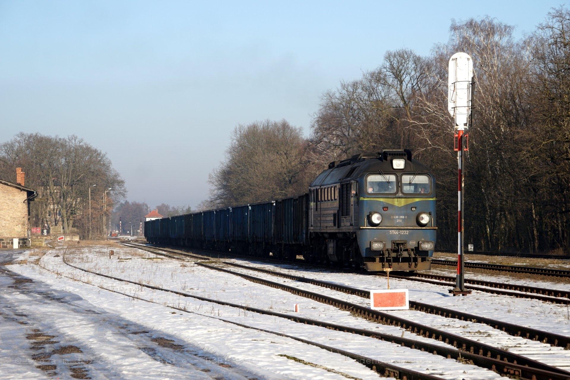 ST44-1232 im Bahnhof Krajenka an der Ostbahn