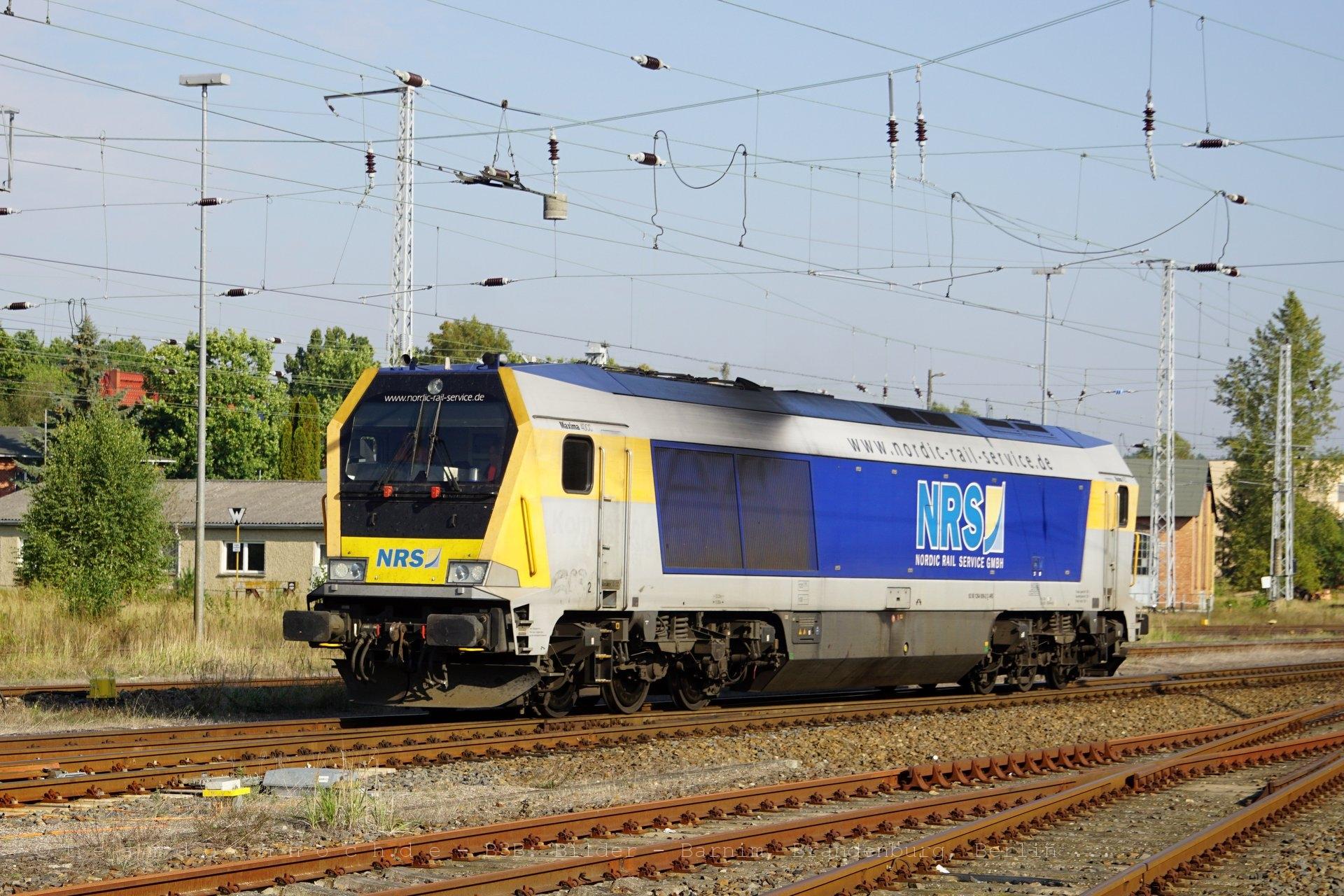 Voith Maxima von NRS im Bahnhof von Neustrelitz