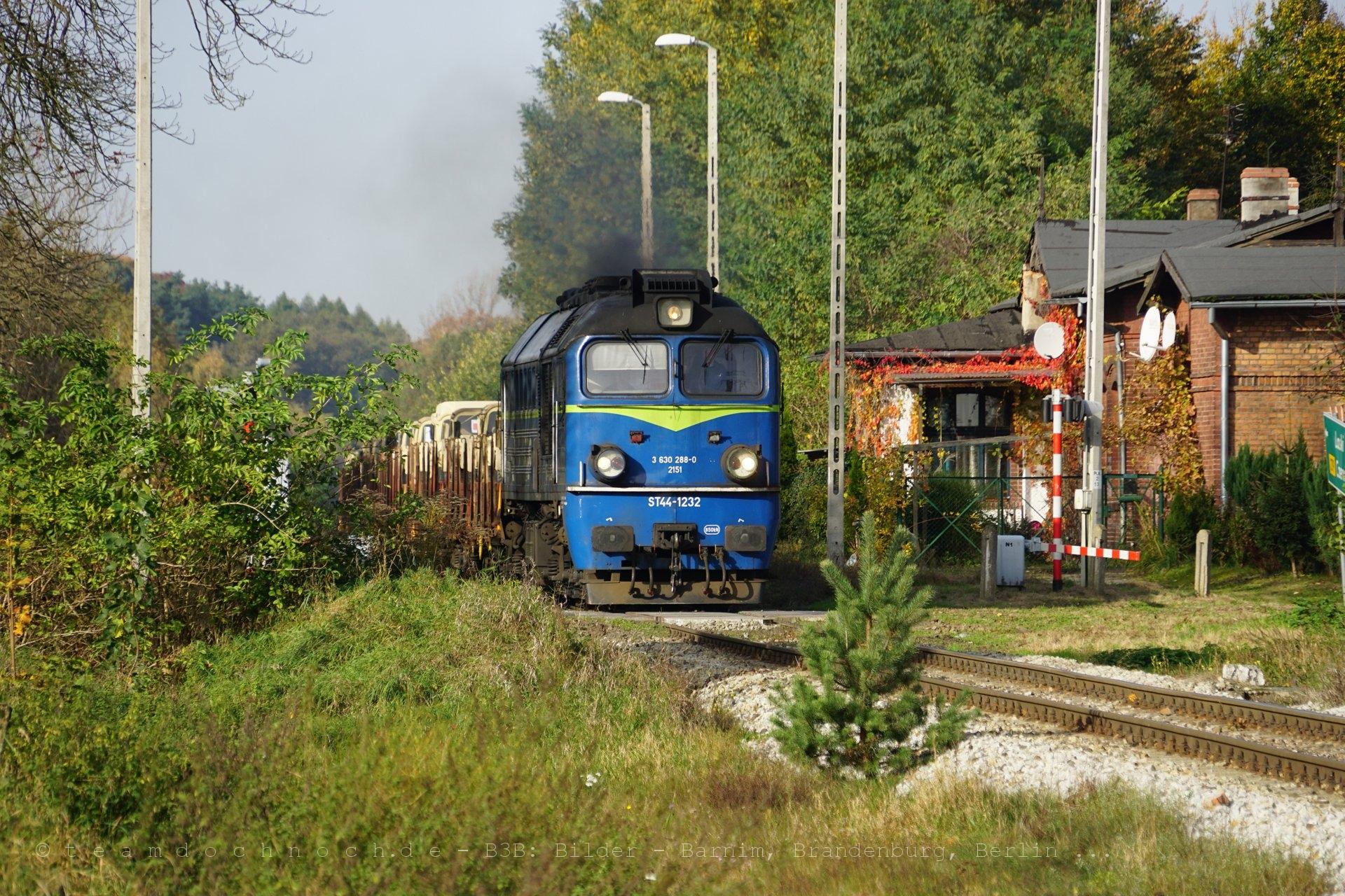 ST44-1232 am Bahnhof Nietków