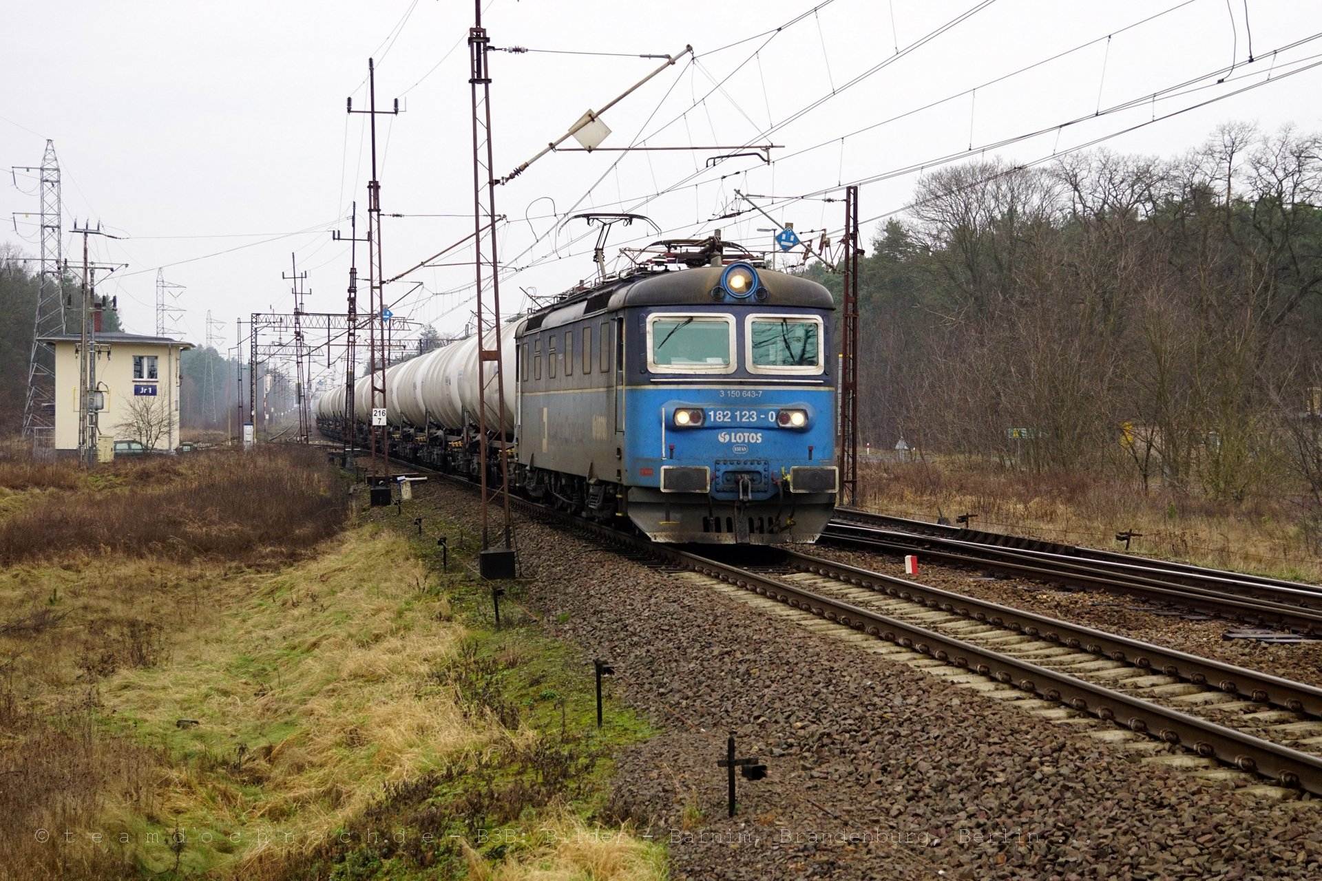LOTOS 182 123-0 in Jerzmanice