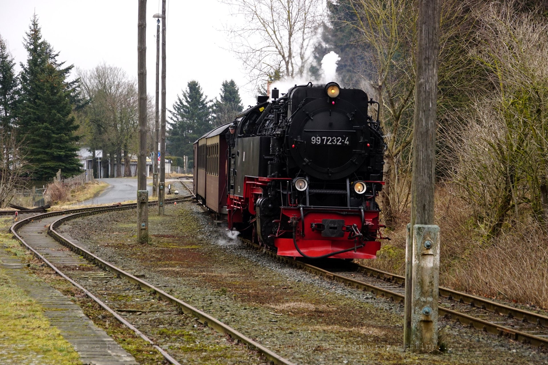 99 7232-4 bei Einfahrt in den Bahnhof Hasselfelde