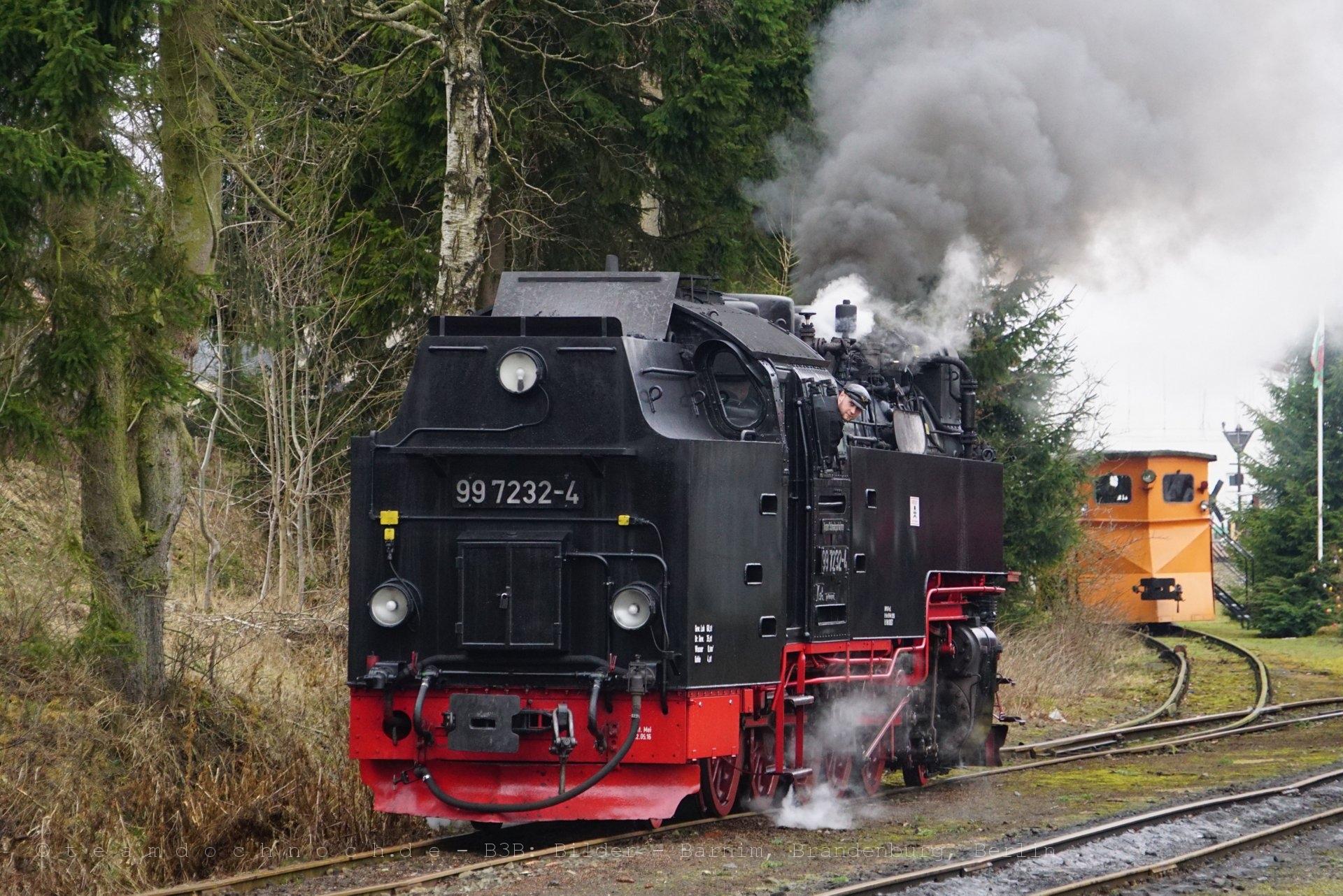 Umsetzen mit 99 7232-4 im Bahnhof Hasselfelde