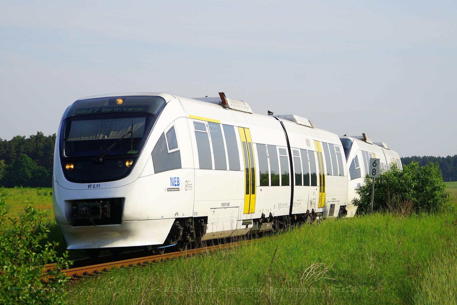 VT 2.11 und VT 643.01 als RB27 nach Berlin Karow
