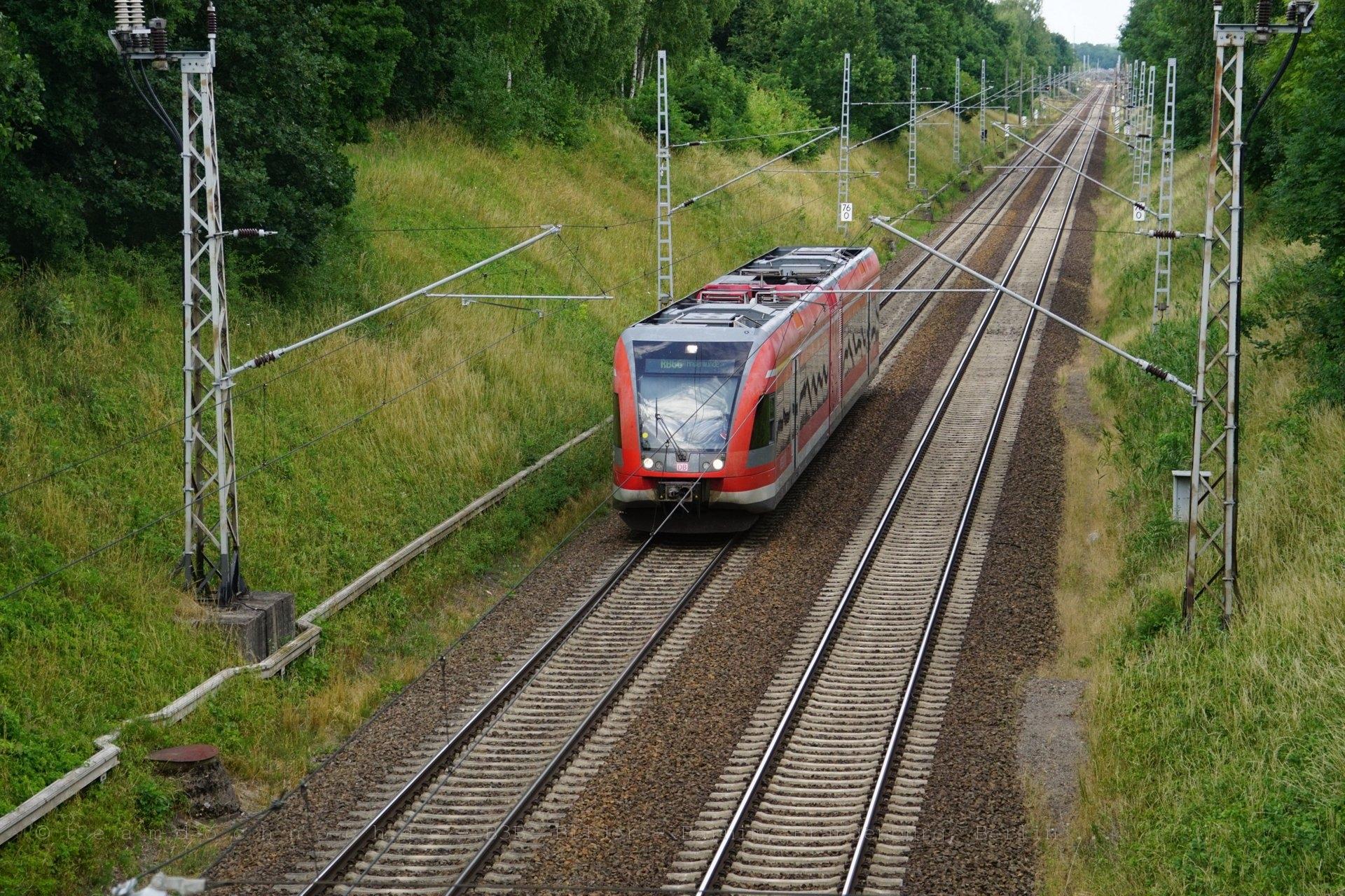 RB66 nach Angermünde unter der B198