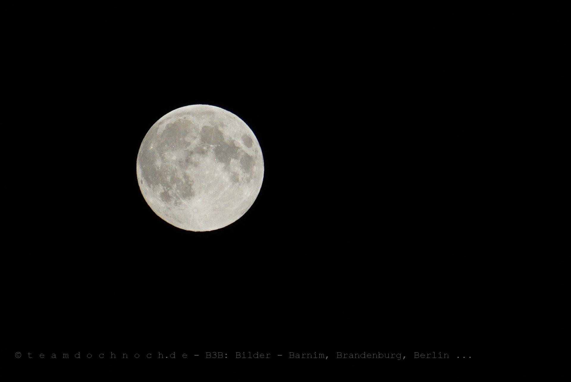 Ein voller Mond im Juni