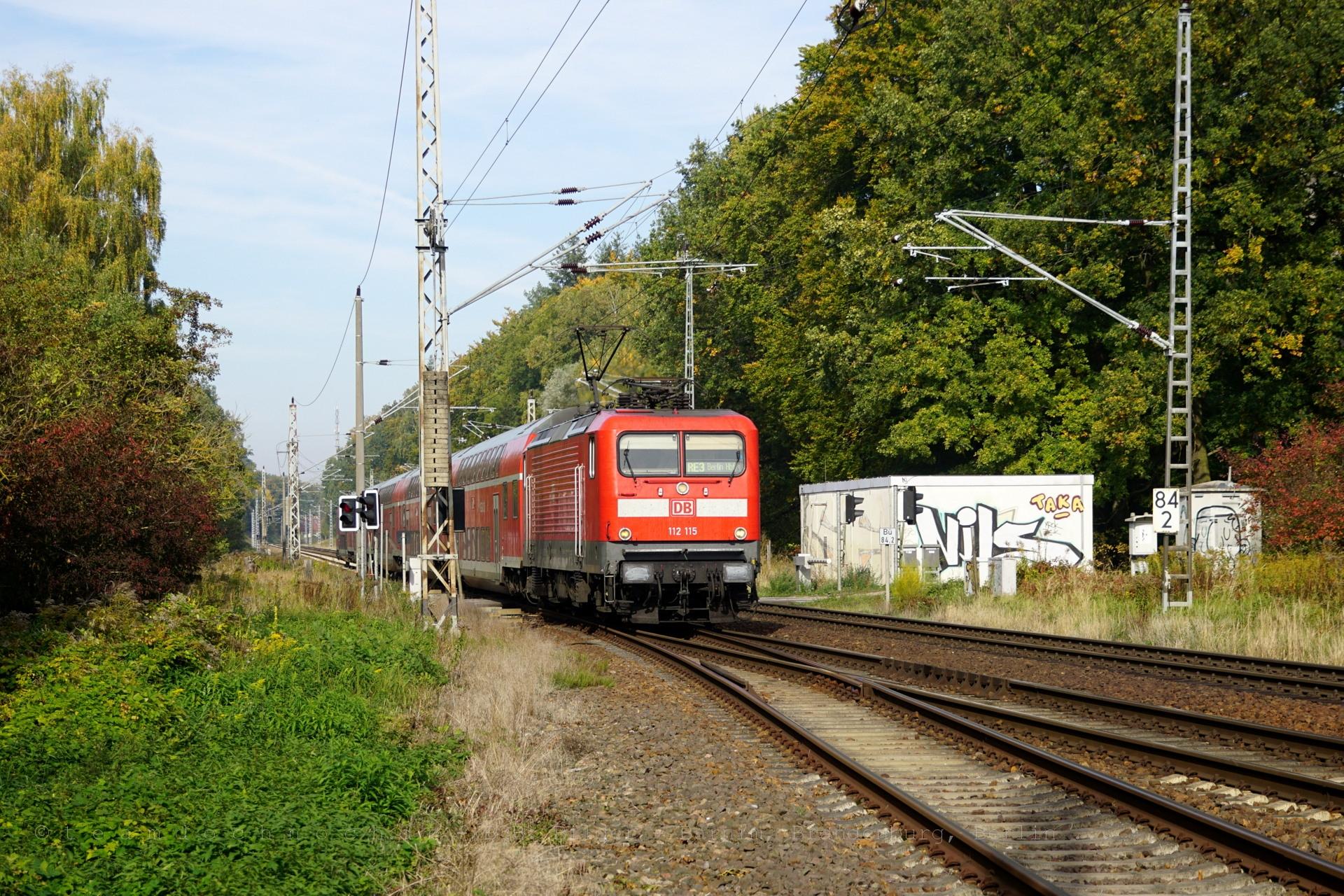 112 115 mit dem RE3 nach Berlin Hbf in Wilmersdorf
