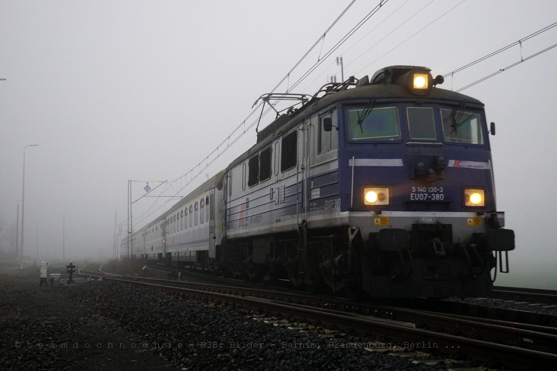 EU07-380 als IC48106 nach Szczecin Glowny in Wicin