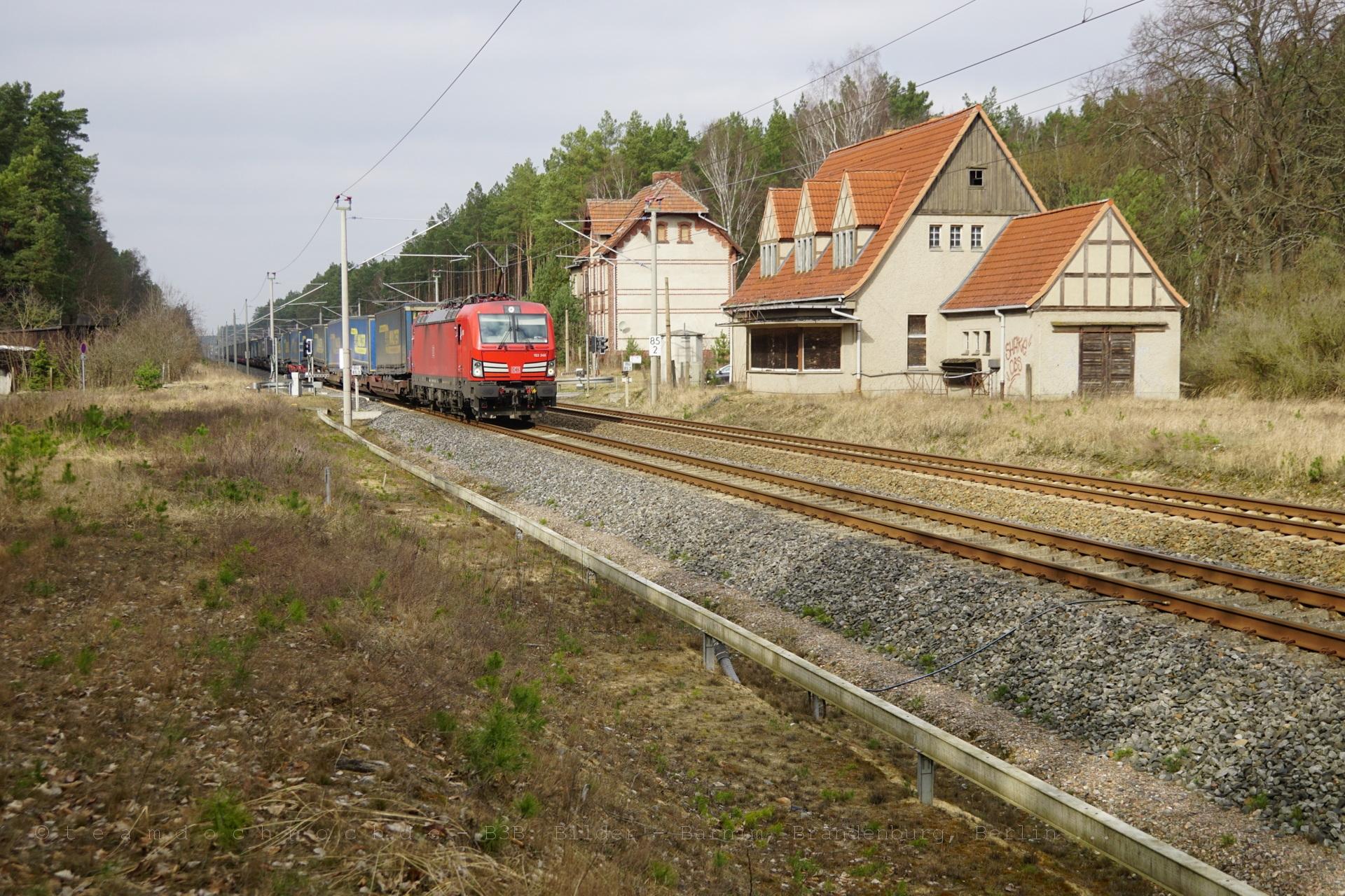 Walter-Zug mit DB Vectron 193 346 in Düsterförde