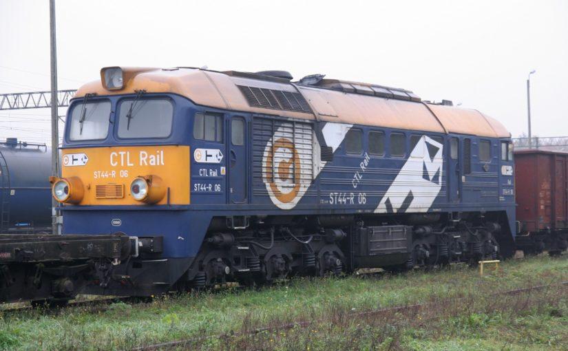ST44-R 06 von CTL im Bahnhof von Kostrzyn