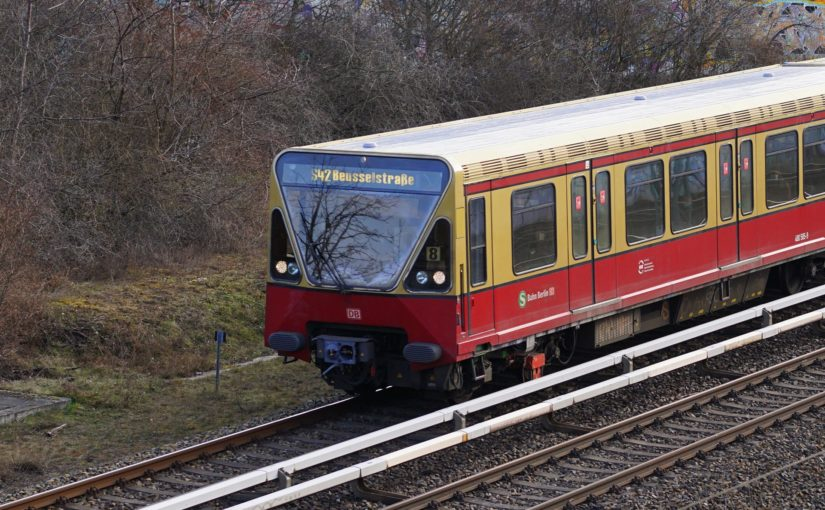 480 585-9 als S42 nach Beußelstraße am Gleisdreieck Gesundbrunnen