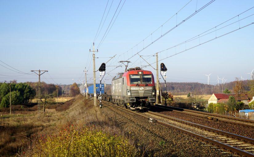 EU 46-514 mit Containern bei Rzepin