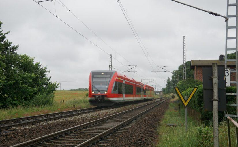 GTW 2/6 in Doppeltraktion als RE66 nach Szczecin Główny bei Kerkow