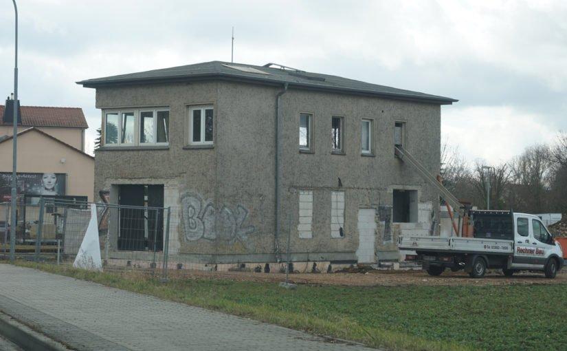 Bauarbeiten am Stellwerk Löwenberg B96