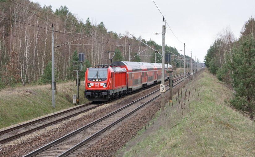 RE3 nach Schwedt, gezogen von einer TRAXX 3