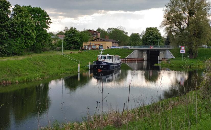 Schiffsverkehr auf dem Finowkanal