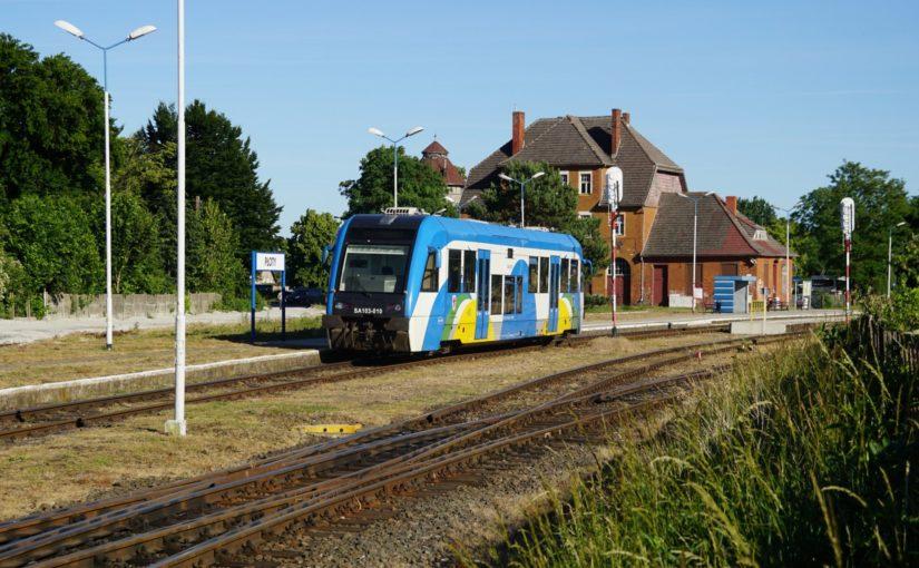 SA103-010 (95 51 2 710 054-8 PL-PREG) im Bahnhof von Płoty