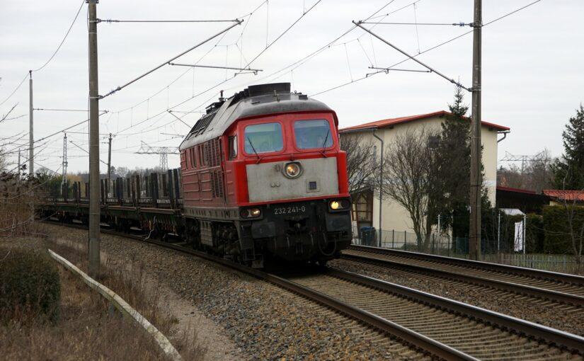 232 241-0 bei Waren Kiebitzberg nach Süden