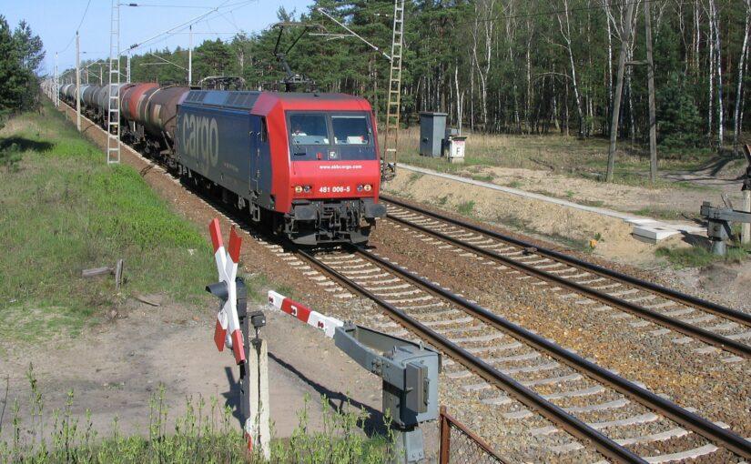 SBB Cargo 481 006-5 am Bahnübergang Spechthausen