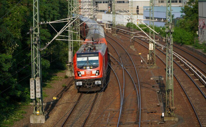 RE3 nach Angermünde an der Hochstraßenbrücke