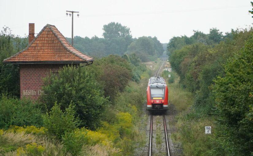 623 531 als RE 4 (5363) kurz vor Mölln